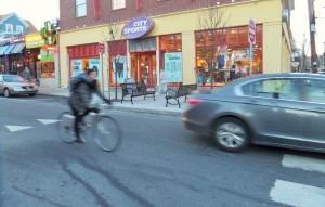 FYI: The cyclist in this photo is not demonstrating scofflaw behavior.