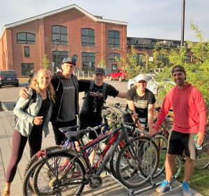 Canadian visitors with their bikes (2)